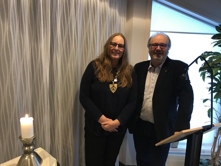 Ordfører Lise Selnes og rådmann Runar Kristiansen